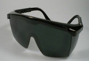 Mắt kính chống tia lazer