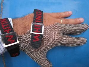 Găng tay chống cắt thép 3 ngón