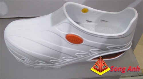 Giày bảo hộ Jogger OxyPas dùng trong bệnh viện