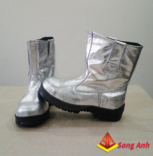 Giày, ủng bảo hộ lao động